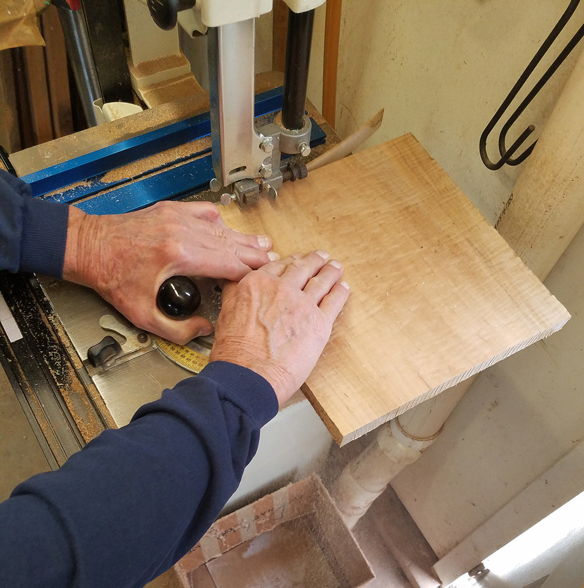Cut and square material on the bandsaw