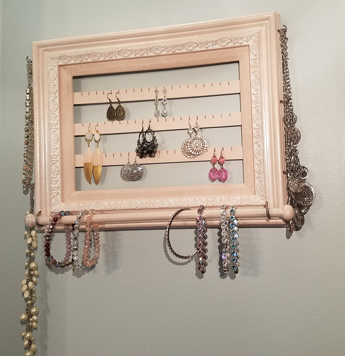 Picture Frame Jewelry Organizer 2.0