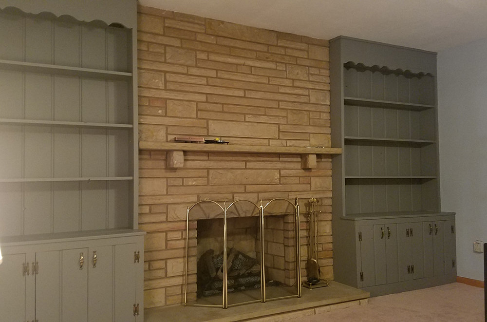 Built-in bookcases in Perfect Gray