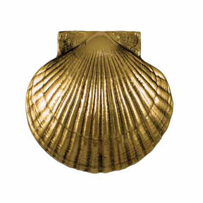 Scallop Door Knocker - Brass