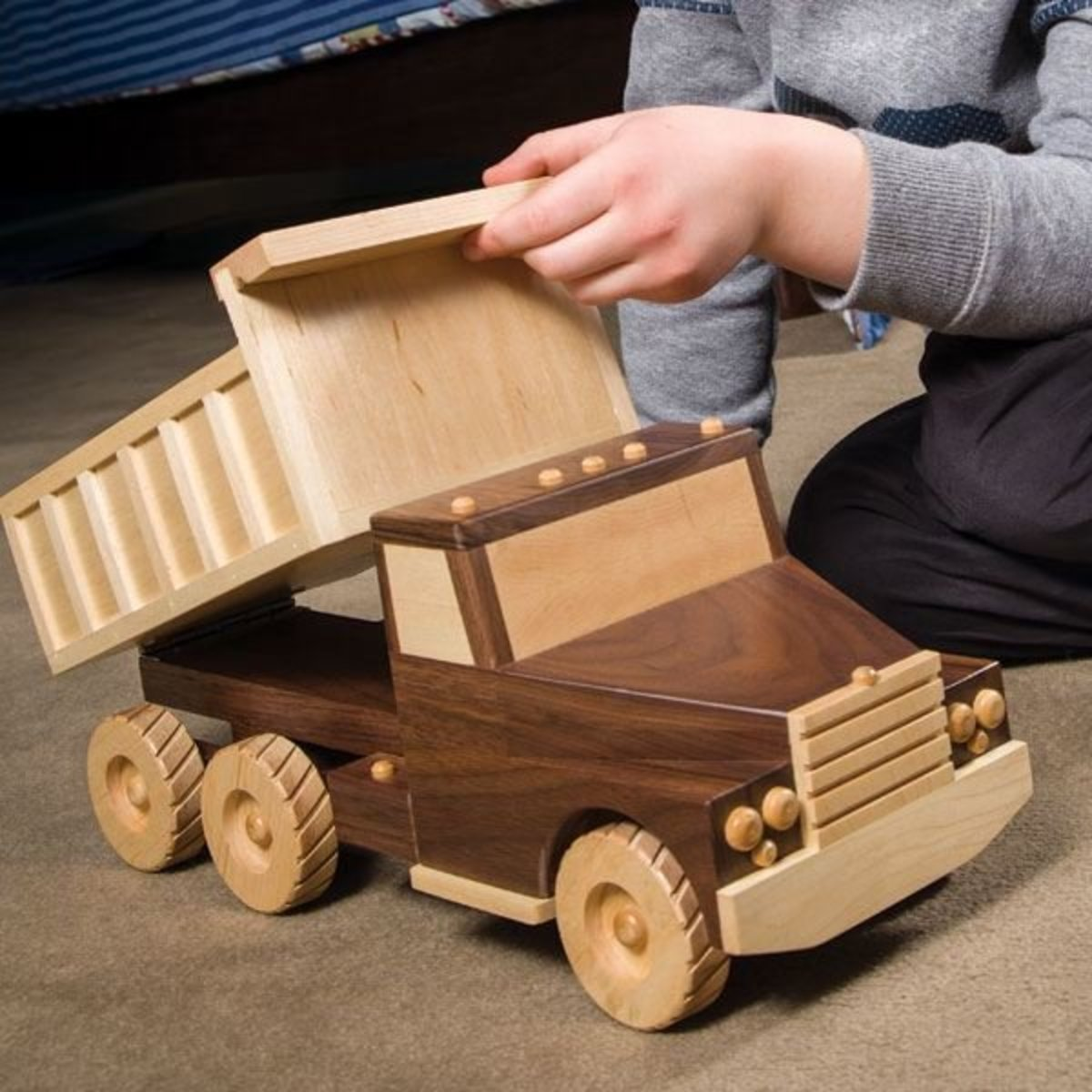 woodcraft magazine - tough enough dump truck - downloadable plan