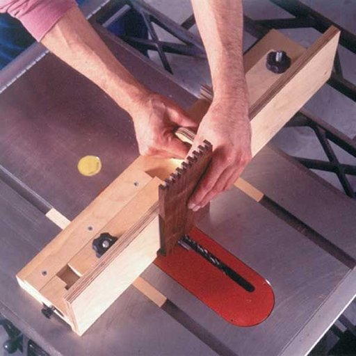 View a Larger Image of Woodworking Project Paper Plan to Build Box-Joint Jig Plan with a Penchant for Precision