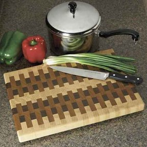 Woodworking Project Paper Plan to Build End-Grain Cutting Board
