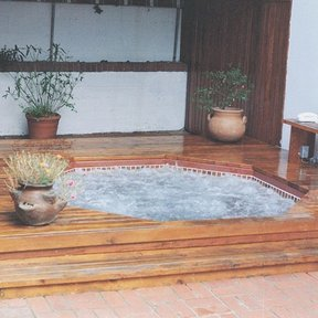 Woodworking Project Paper Plan to Build Plumb and Deck a Spa, Plan No. 670