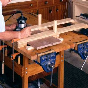 Woodworking Project Paper Plan to Build Right-On Dado Jig