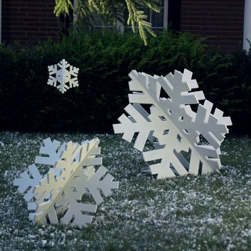View a Larger Image of Woodworking Project Paper Plan to Build Super-Sized Snowflake Trio