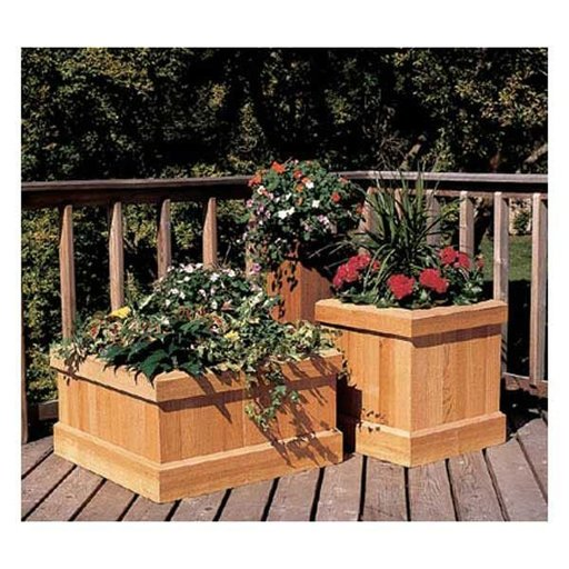 View a Larger Image of Woodworking Project Paper Plan to Build Trio of Cedar Planters