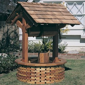 Woodworking Project Paper Plan to Build Wishing Well